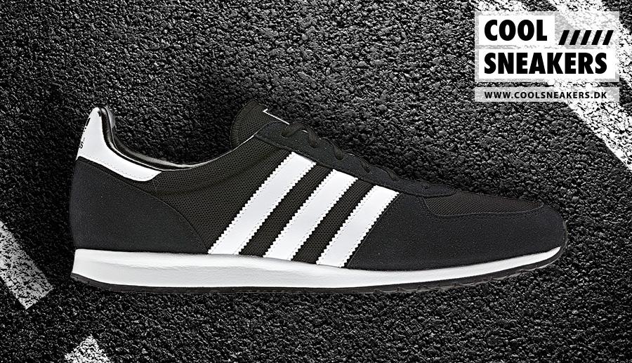 Adidas-AdiSTAR-Racer_black_white