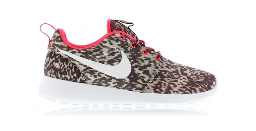 Nike Roshe Run Safari Print Pink