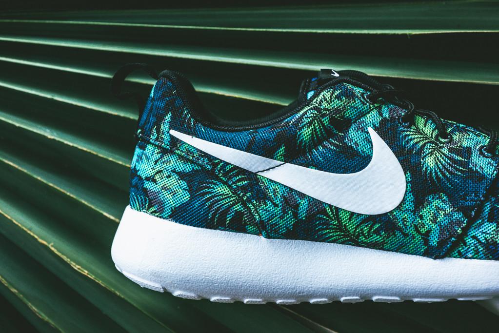 Roshe Run Print Aloha White Black Grey Wlf Cool 655206-010 Nike ... 077816249