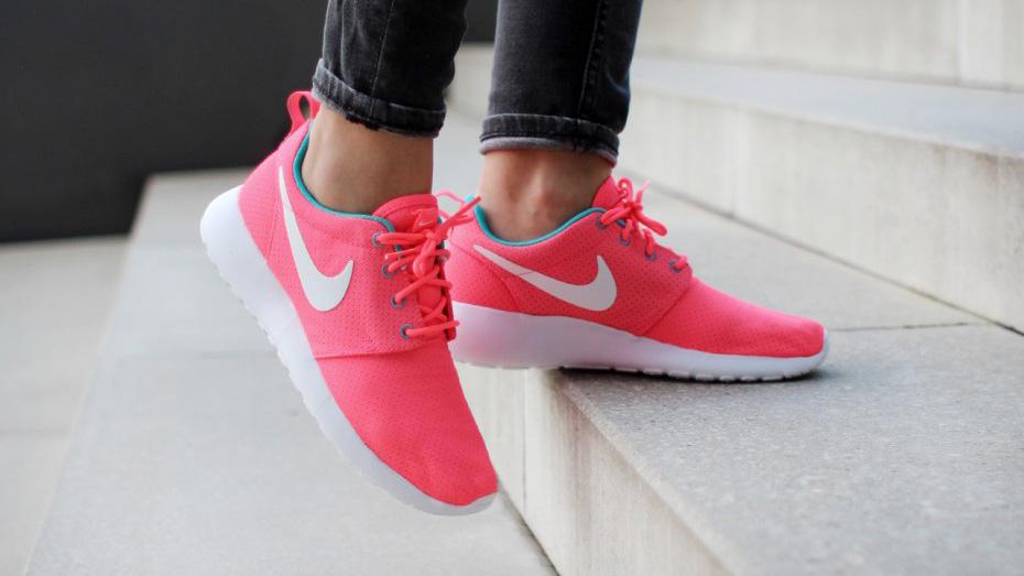 Pink Nike Roshe Run 511882-608