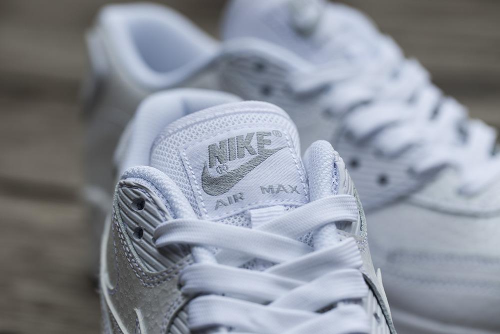 Nike White Ice Pack