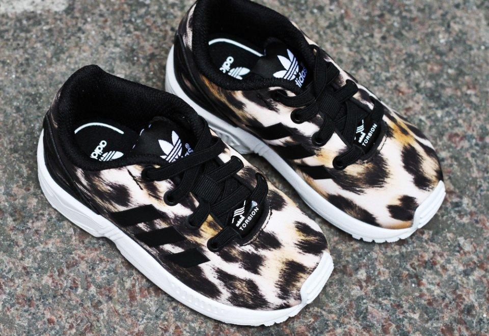 974d0c9487e ... Adidas-ZX-Flux-Leopard-til-born-02-coolsneakers