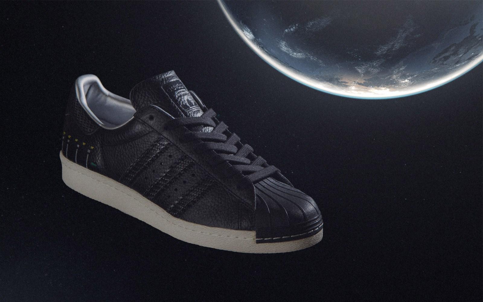 Adidas Superstar Camera