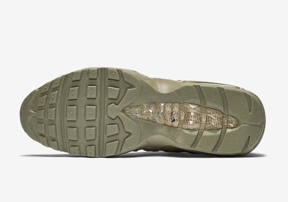 air max 95 sneakerboot khaki,air max 95 sneakerboot on feet
