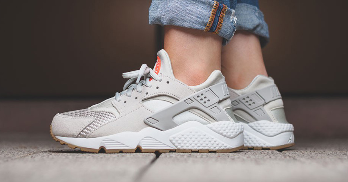 nike huarache dames light bone