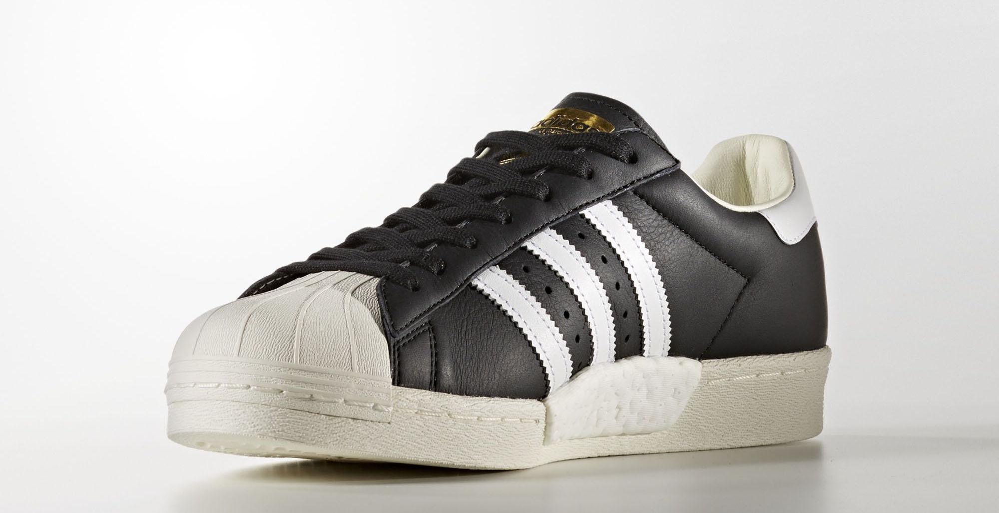 adidas Superstar core blackfootwear whitegold metallic