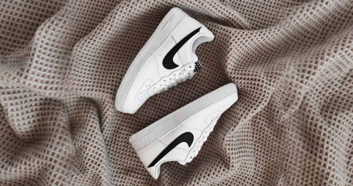 Nike Air Force 1 Sort Swoosh