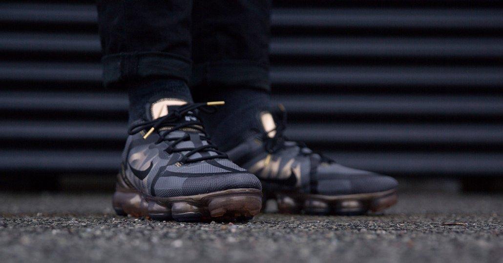 On-Foot - Nike Air Vapormax Sort & Guld