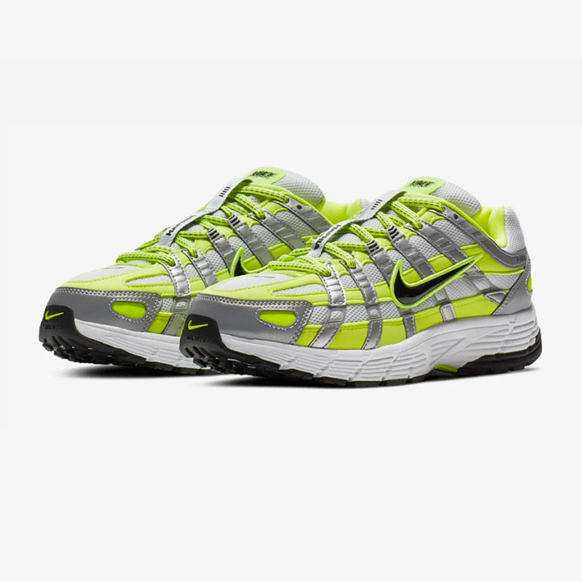 Få det fulde Nike P-6000 overblik