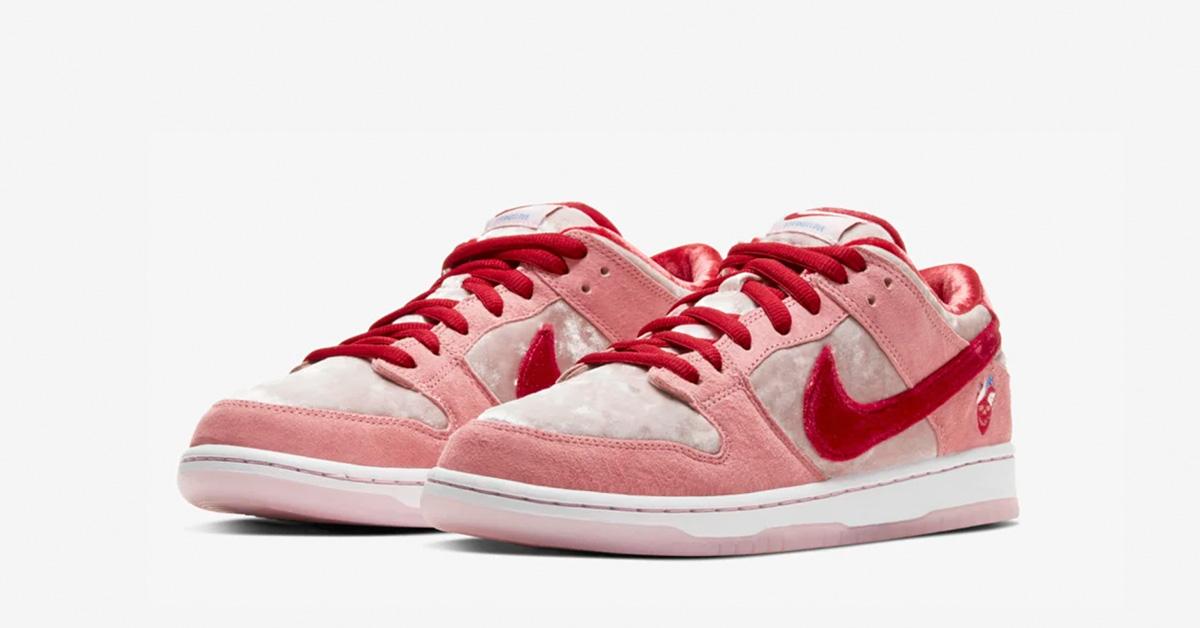 Nike SB Dunk Low Strangelove