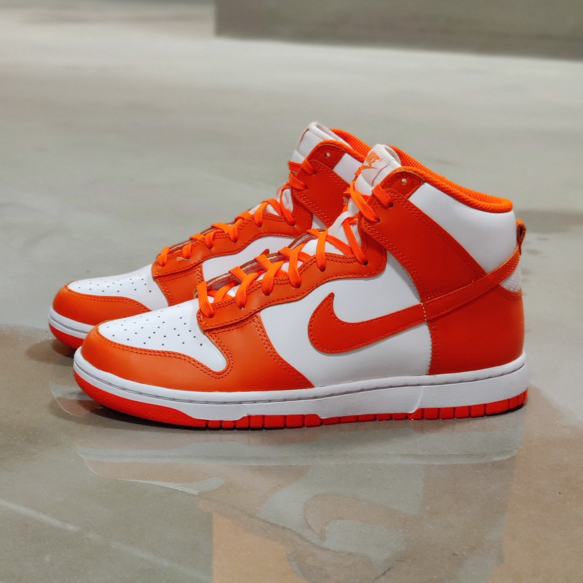 Unboxing: Nike Dunk Hi Retro Orange Blaze