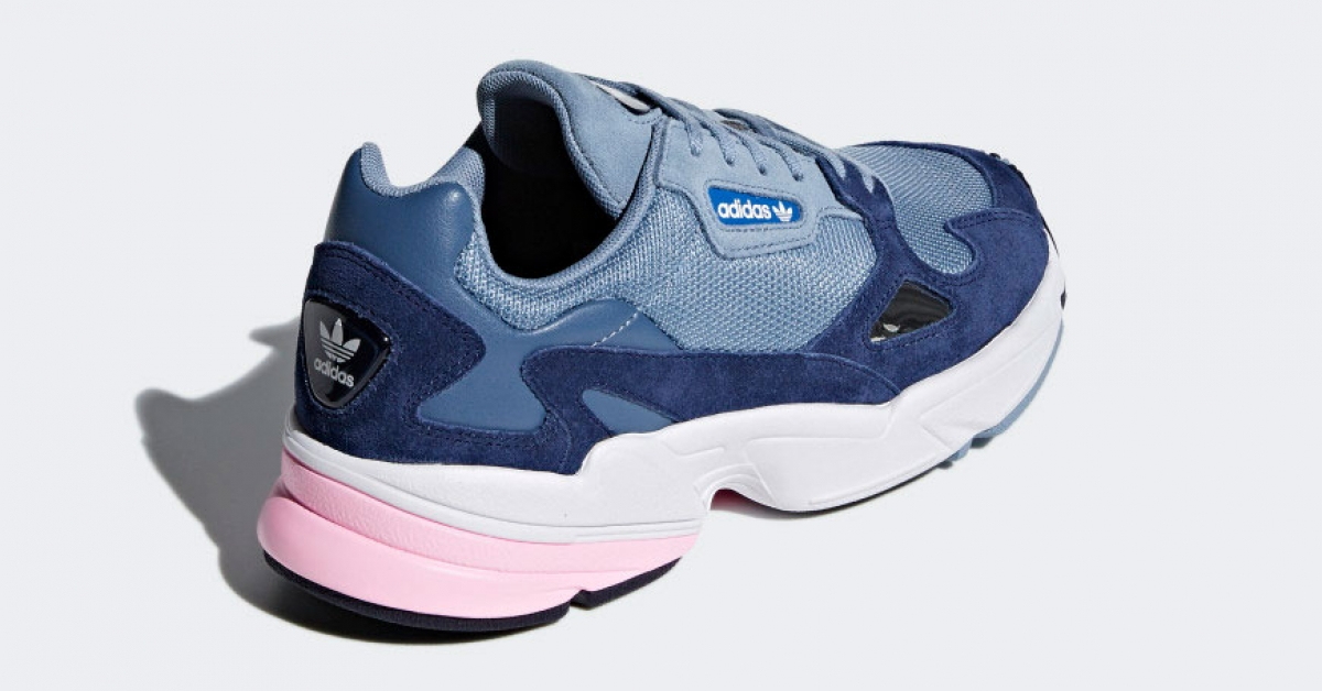 adidas-falcon-raw-grey-kvinder-d96699_03