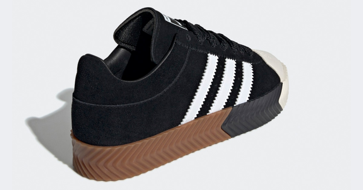 AW-x-Adidas-Skate-Super-Core-Black-G28385-03