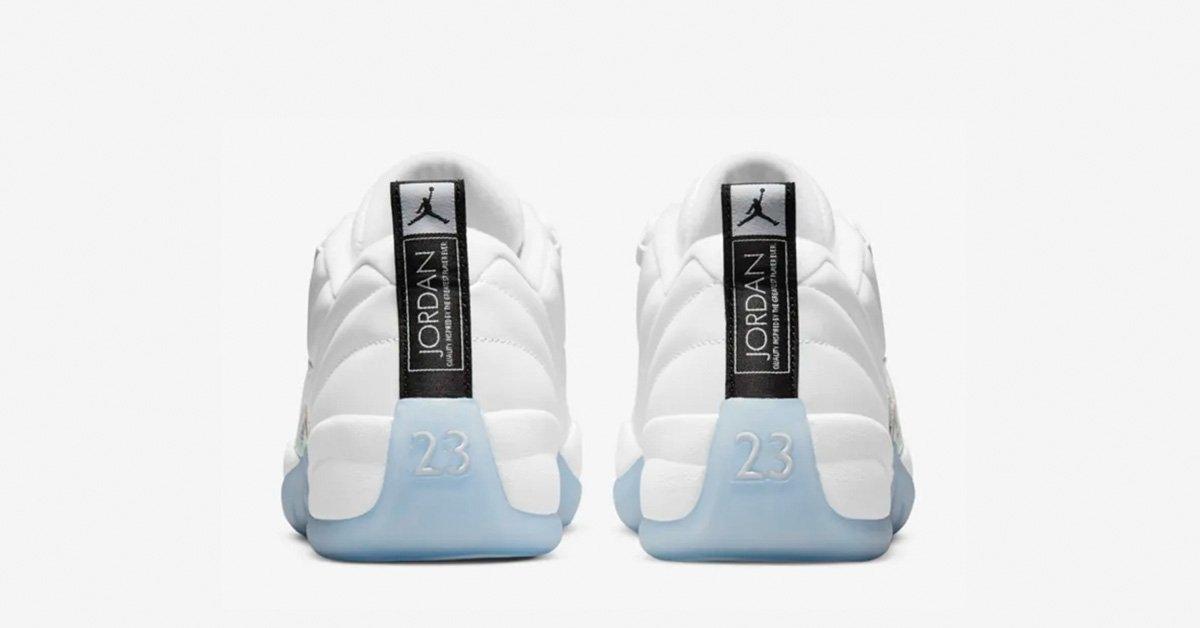Nike-Air-Jordan-12-Low-Hvid-Lyseblaa-02