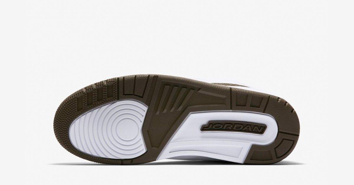 Nike-Air-Jordan-3-Mocha-04