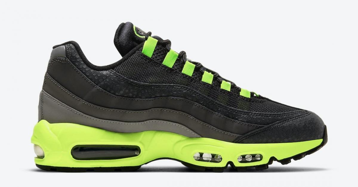 Nike-Air-Max-95-Kiss-My-Airs-DJ4627-001_DJ4627-001_03