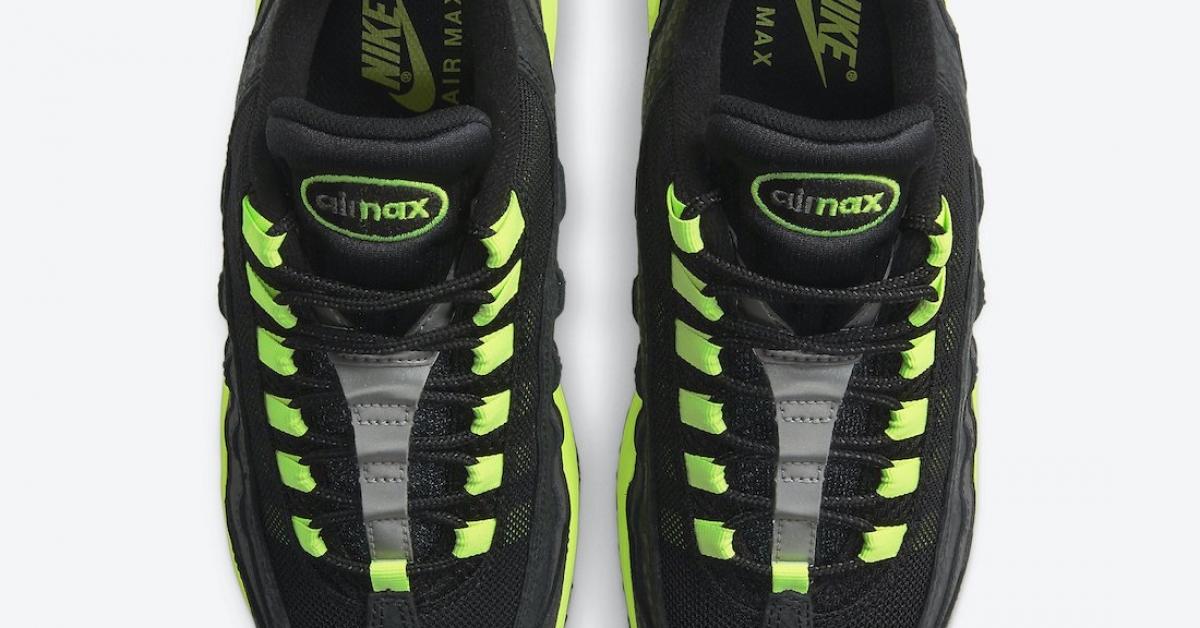 Nike-Air-Max-95-Kiss-My-Airs-DJ4627-001_DJ4627-001_04