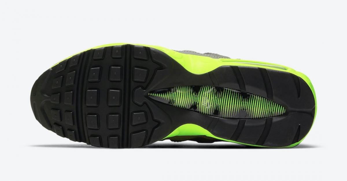 Nike-Air-Max-95-Kiss-My-Airs-DJ4627-001_DJ4627-001_06
