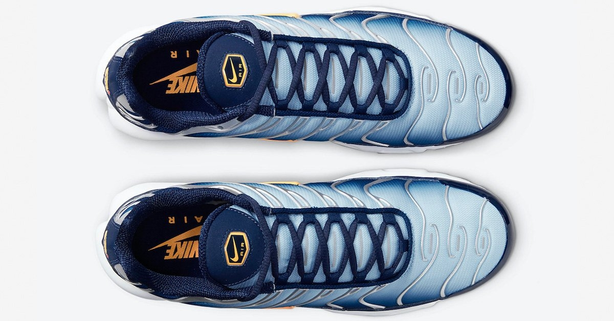 Nike-Air-Max-Plus-DM3530-400-03