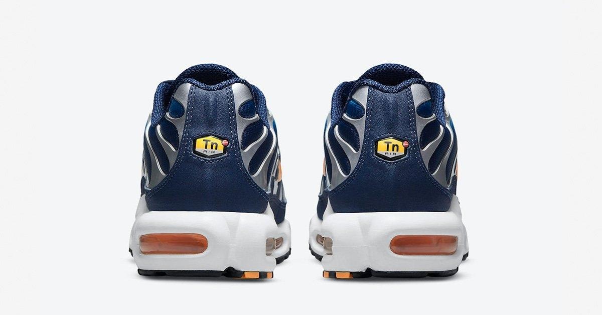 Nike-Air-Max-Plus-DM3530-400-04