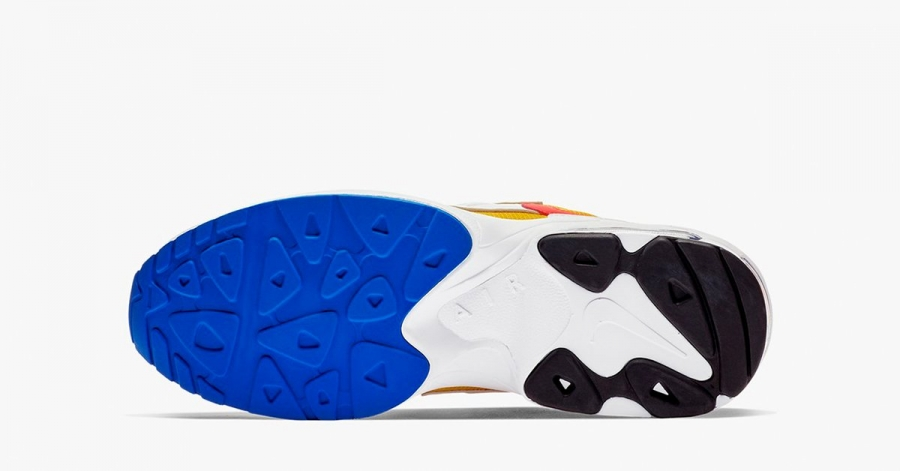 Nike-Air-Max2-Light-University-Gold-04