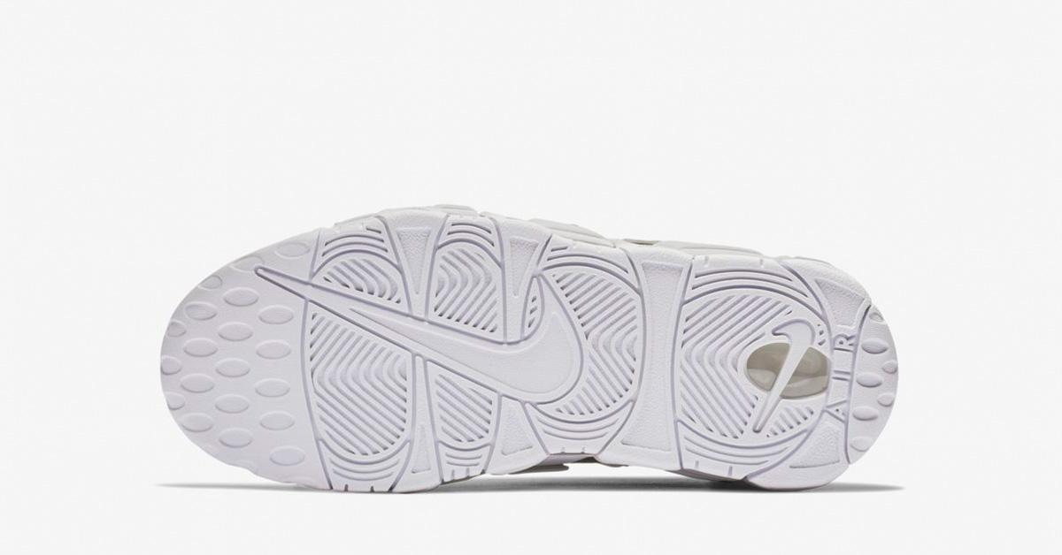 Nike-Air-More-Uptempo-Metallic-Silver-til-kvinder-04