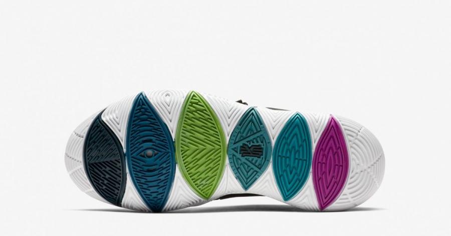 Nike-Kyrie-5-Black-Magic-AO2919-901-04