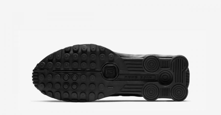 Nike-Shox-R4-Triple-Black-04