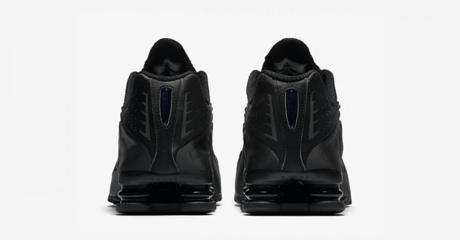 Nike-Shox-R4-Triple-Black-05