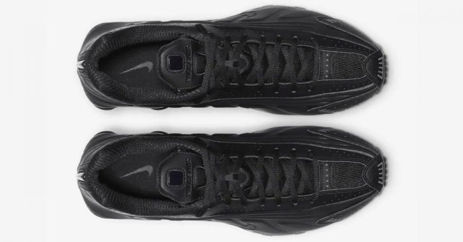 Nike-Shox-R4-Triple-Black-06