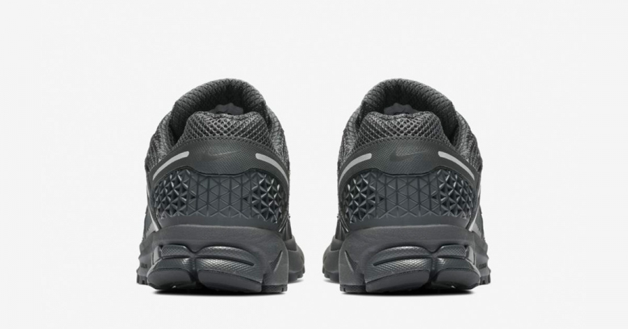 Nike-Zoom-Vomero-5-Sort-BV1358-002-05
