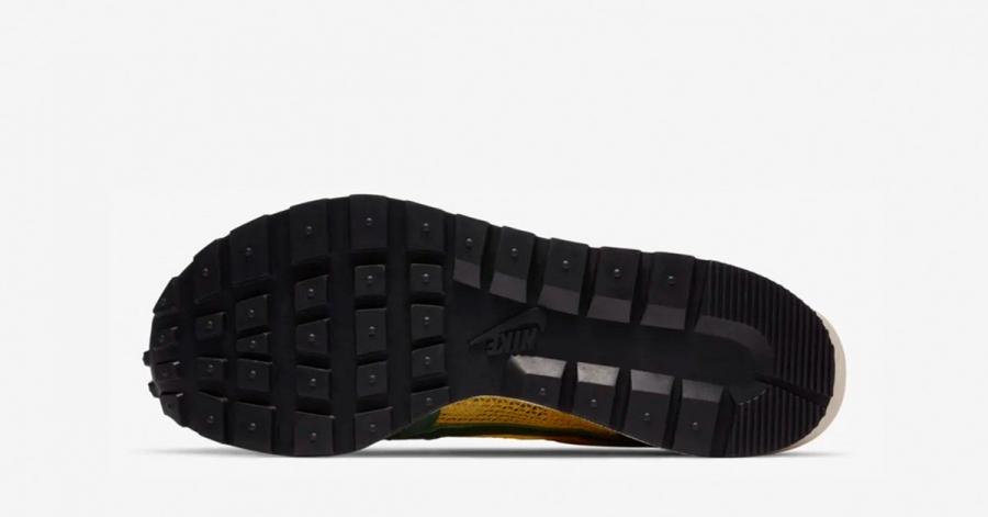 Sacai-x-Nike-Vapor-Waffle-Tour-Yellow-Geoge-Green-Sail-CV1363-700-03