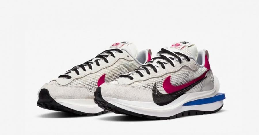 Sacai x Nike VaporWaffle Royal Fuchsia