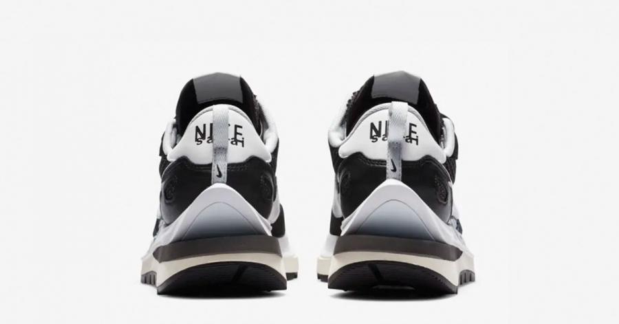 Sacai-x-Nike-VaporWaffle-Sort-Hvid-02