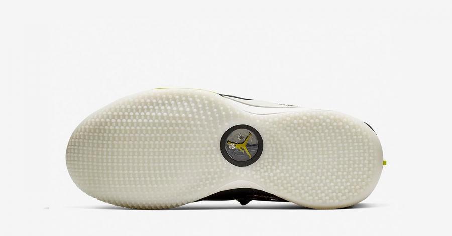 Travis-Scott-x-Nike-Air-Jordan-33-Cactus-Jack-CD5965-300-03